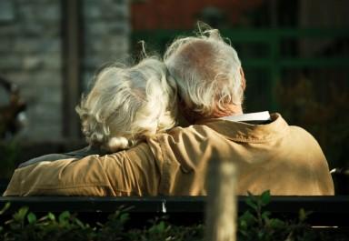Великденски помощи в размер на 40 лева ще получат 415 пенсионери от община Ботевград